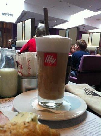 Le Meridien Vienna: café