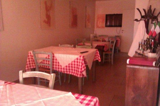 Osteria Fosca Umbra: sala ristorante
