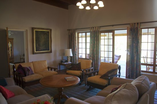 Rolbaken Country Guesthouse & Cape Mountain Zebra Reserve : Lounge