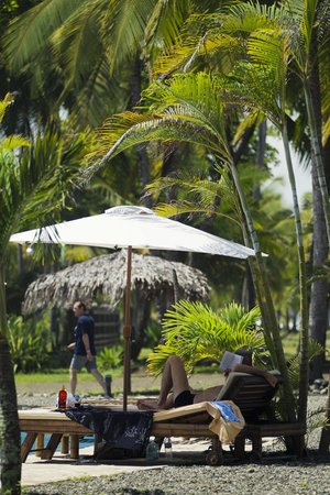 Clandestino Beach Resort: Relax in the deckchairs.