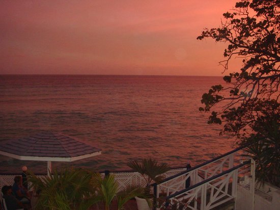 South Gap Hotel: Beautiful sunsets from your balcony