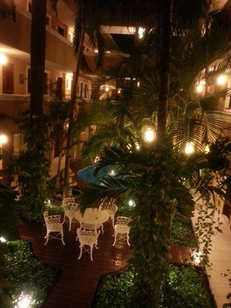 Hotel Las Golondrinas: View from one of the common areas