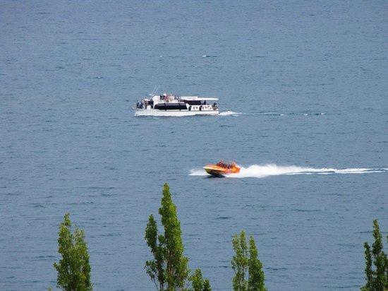 Earnslaw Lodge: lake view