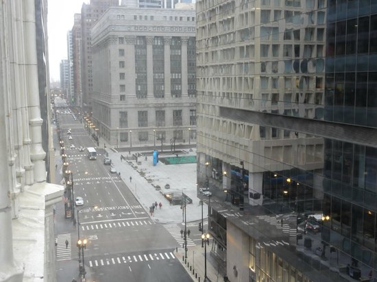 The Alise Chicago - A Staypineapple Hotel: Our View-the fountain in Daley Square dyed green for St Patrick's Day