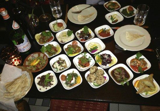 Békaa Libanesisches Restaurant: vegetarian and meat mesa