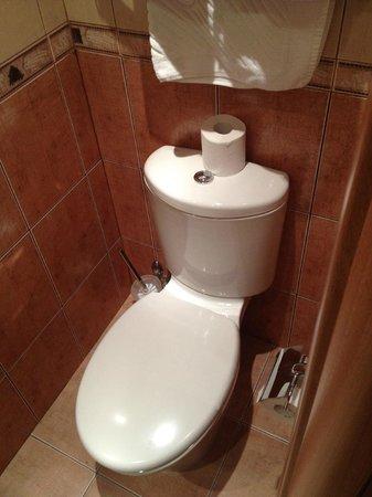 Hotel Vera: Bathroom