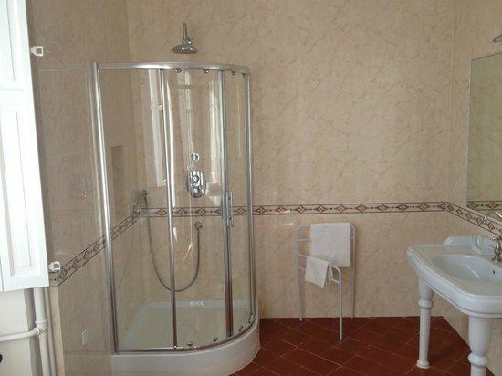 Chateau de Gramazie: baño
