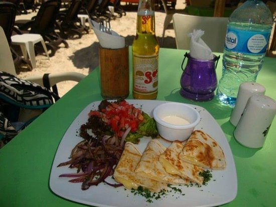 Hotel Colibri Beach: Lunch on the Sand