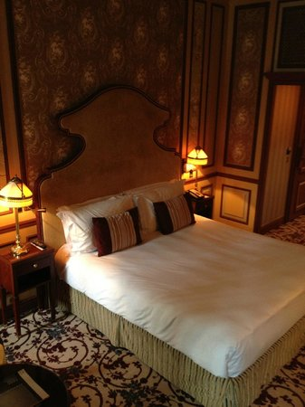 InterContinental Bordeaux Le Grand Hotel: WONDERFUL BEDROOM