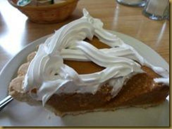 Gypsy's Bakery and Restaurant: Delicious Spiced Pumpkin Pie