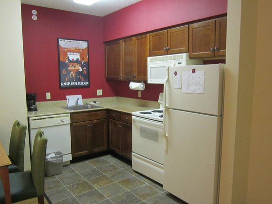 Residence Inn Lexington South / Hamburg Place: kitchenette