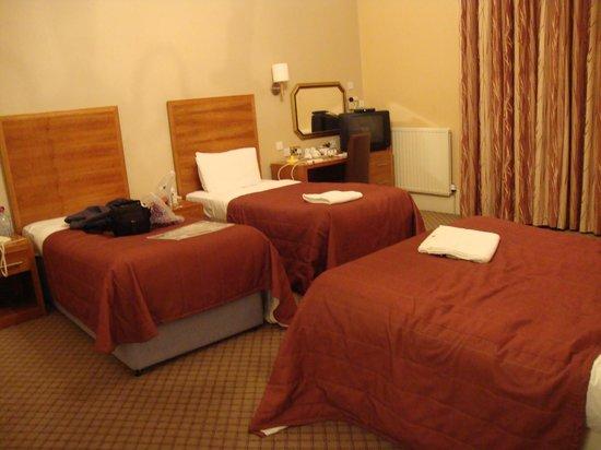 Abbey Hotel: habitación cuadruple