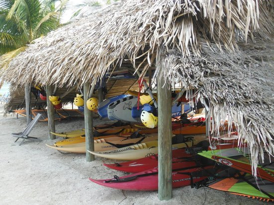 Long Caye Resort: Water sports equipment readily available