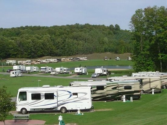 Leelanau County, MI: Wild Cherry Resort The best real rving and camping location first class