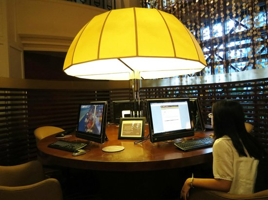 Sheraton Imperial Kuala Lumpur Hotel: The Link free computer and internet use