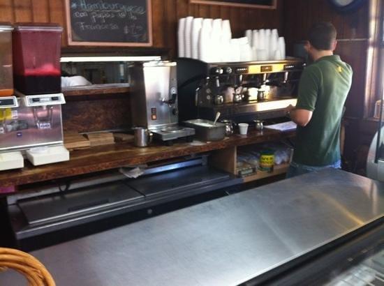 Oasis Sandwich Shop: colada