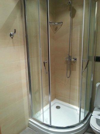 Dellarosa Hotel Suites & Spa: Bathroom