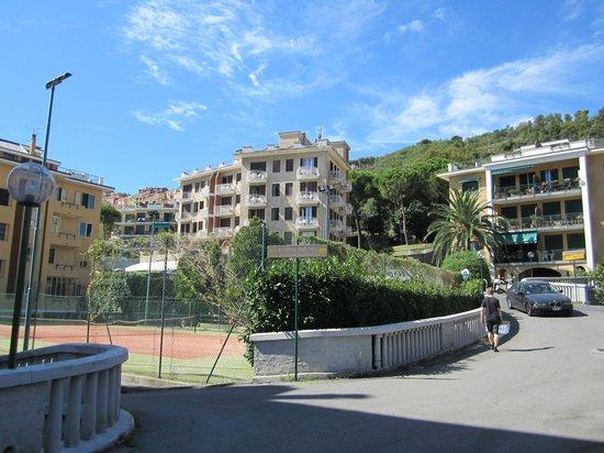 Hotel Paco: Das Hotel von vorne