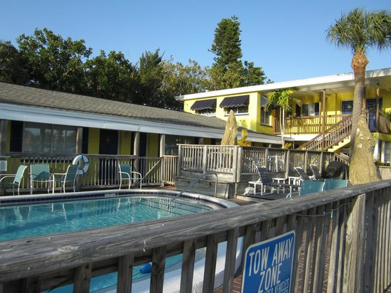 Barefoot Bay Resort and Marina: heated pool and poolside rooms