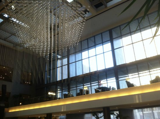 beautiful lobby picture of sheraton kansas city hotel at. Black Bedroom Furniture Sets. Home Design Ideas