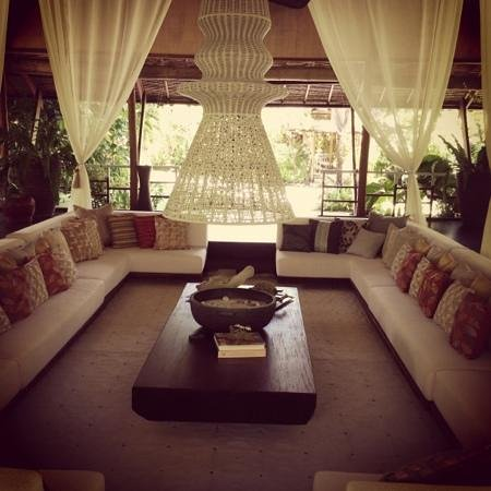 DEDON Island Resort: lounge area