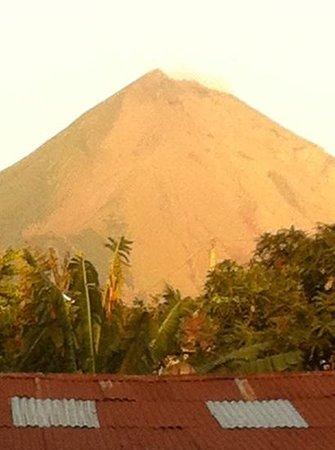 The Landing Hotel: Volcano La Concepcion