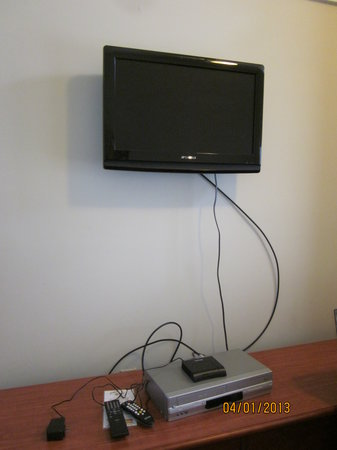 "The Club at Cape Cod: moveable flat screen TV""s in all rooms"