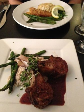 Highline Coffeehouse & Cafe: rack of lamb and crab cake