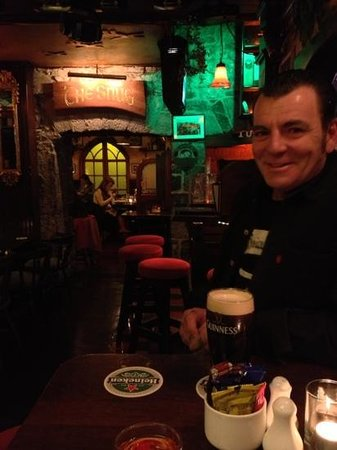 The Spanish Arch Hotel : first Guinness in Ireland