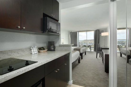 Aqua Skyline at Island Colony: Room with Kitchenette