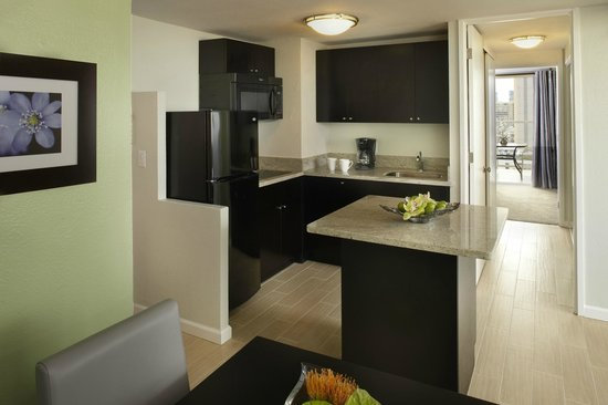 Aqua Skyline at Island Colony: Room with Kitchen