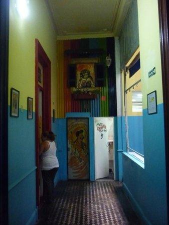 Ayres Portenos Hostel: pasillo distribuidor