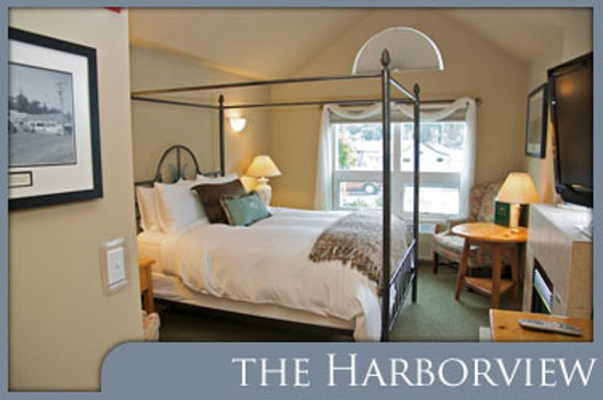 Maritime Inn: The Harborview Room