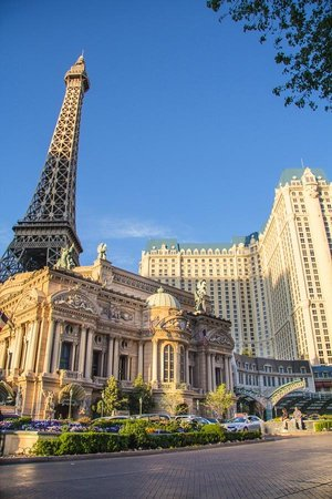Paris Las Vegas: Paris Hotel LV from the street