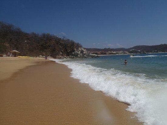Las Brisas Huatulco: Play beach