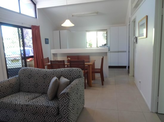 Wolngarin Holiday Resort Noosa: Open plan one-storey 2 bed-room villa