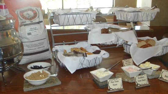 Resort at Squaw Creek : not many options with pastries