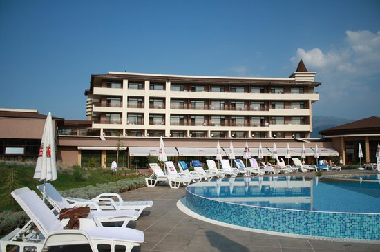 Pavel Banya, Bulgaria: Zona de la piscina