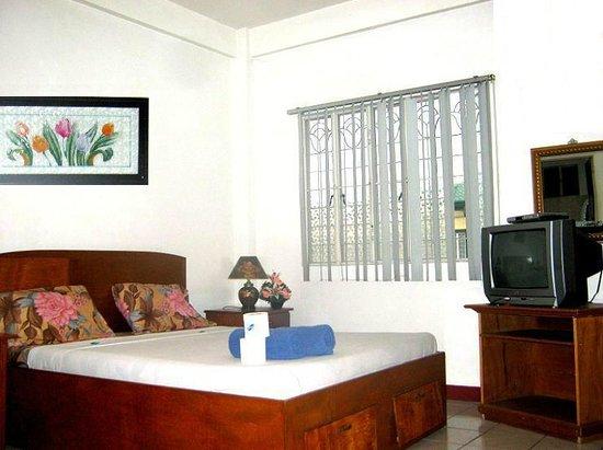 Daniela's Place Apartelle