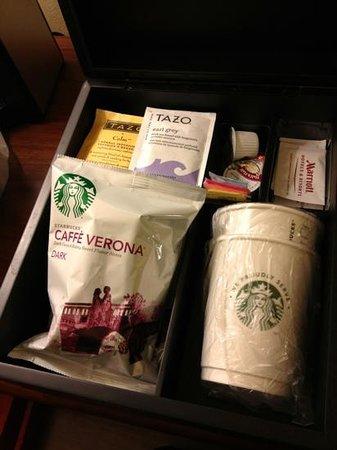 Seattle Marriott Redmond: starbucks coffee & tea!