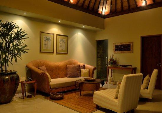Disini Luxury Spa Villas: 2013 Picture Living room