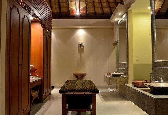 Disini Luxury Spa Villas : 2013 picture bath room