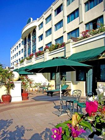 Sunway Hotel Phnom Penh: Balcony