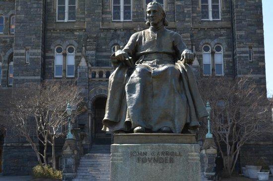 Georgetown University: Stature of John Carroll