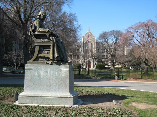 Georgetown University: stature with White-Gravenor Hall in the background