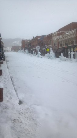 Bronco Billy's Hotel: The main street after the snow