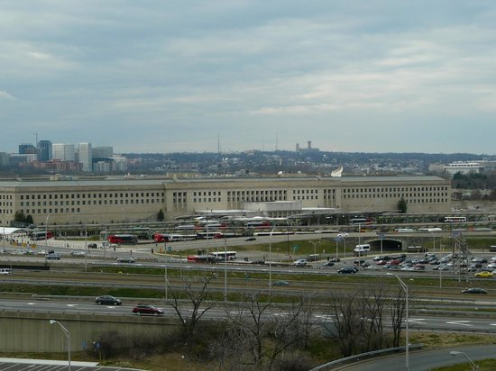 DoubleTree by Hilton - Washington DC - Crystal City: View of Pentagon from on 10th Floor North Tower