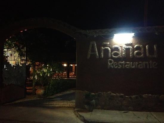 Ananau Restaurante : outside the hotel
