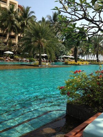Dusit Thani Hua Hin: pool