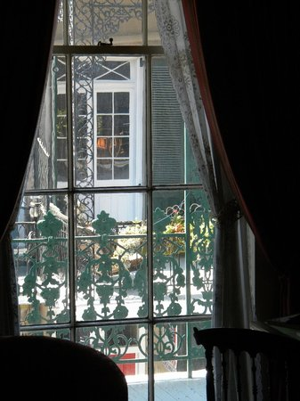 Gallier House: Window onto street